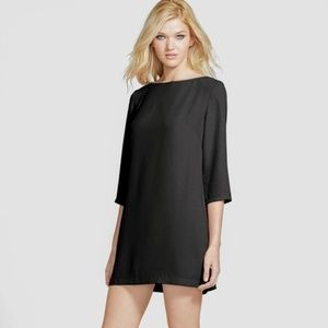 Tildon Boat Neck Black Shift Dress